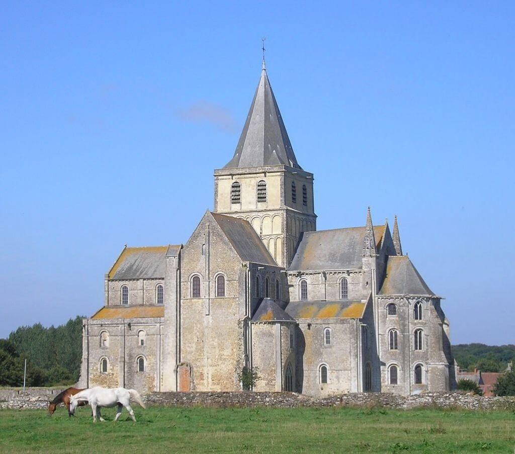 romanesk-kilise